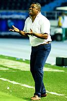 BARRANQUILLA-COLOMBIA, 16-02-2020: Huberth Bothert, tŽcnico de Once Caldas durante partido entre AtlŽtico Junior y Once Caldas, de la fecha 5 por la Liga BetPlay DIMAYOR I 2020, jugado en el estadio Metropolitano Roberto MelŽndez de la ciudad de Barranquilla. / Huberth Bothert, coach of Once Caldas  during a match between Atletico Junior and Once Caldas, of the 5th date for the BetPlay DIMAYOR I Leguaje 2020 played at the Metropolitano Roberto Melendez Stadium in Barranquilla city. / Photo: VizzorImage / Alfonso Cervantes / Cont.