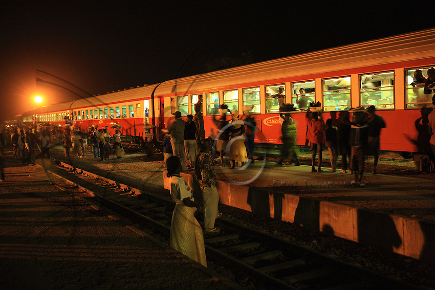 The train linking Ngaoundere to Yaounde is the main overland route from North to South. It bypasses the innumerable police roadblocks, customs and other administrative hassles that are as frequent as they are costly.