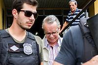 CURITIBA, PR, 24.11.2014 - LAVA-JATO / POLICIA FEDERAL/ CURITIBA - Executivo Adarico Negromonte Filho  durante a saida do Instituto Médico Legal (IML) na tarde desta segunda-feira (24) em Curitiba. Adarico Negromonte Filho, se entregou na manhã de hoje na sede da Policia Federal. Ele era o último foragido da Polícia Federal(PF) na sétima fase da operação Lava Jato. Negromonte Filho é irmão do ex-ministro das Cidades Mário Negromonte (PP-BA) (Foto: Paulo Lisboa / Brazil Photo Press) Adarico Negromonte Filho