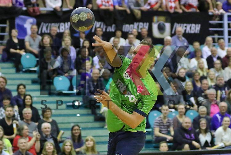 Kolding, 15.06.15, Sport, Handball, Allstar Game, Verabschiedung Lasse Boesen, EM Guld 2008 hold vs. Lasse Boesen All stars : <br /> Lars Christiansen (EM Guld 2008, #09)<br /> <br /> Foto &copy; P-I-X.org *** Foto ist honorarpflichtig! *** Auf Anfrage in hoeherer Qualitaet/Aufloesung. Belegexemplar erbeten. Veroeffentlichung ausschliesslich fuer journalistisch-publizistische Zwecke. For editorial use only.
