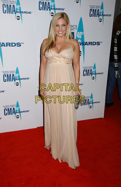 JULIE ROBERTS.40th Annual CMA Awards held at Gaylord Entertainment Center, Nashville, Tennessee, USA..November 6th, 2006.Ref: ADM/LF.full length white dress cream.www.capitalpictures.com.sales@capitalpictures.com.©Laura Farr/AdMedia/Capital Pictures.
