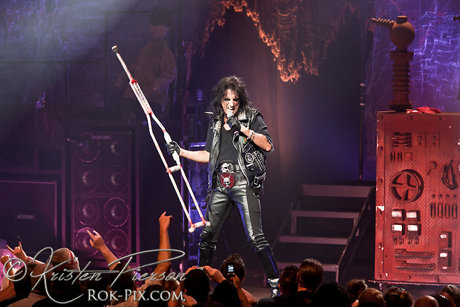Alice Cooper performing at MGM Grand Theater at Foxwoods Casino on August 13, 2011