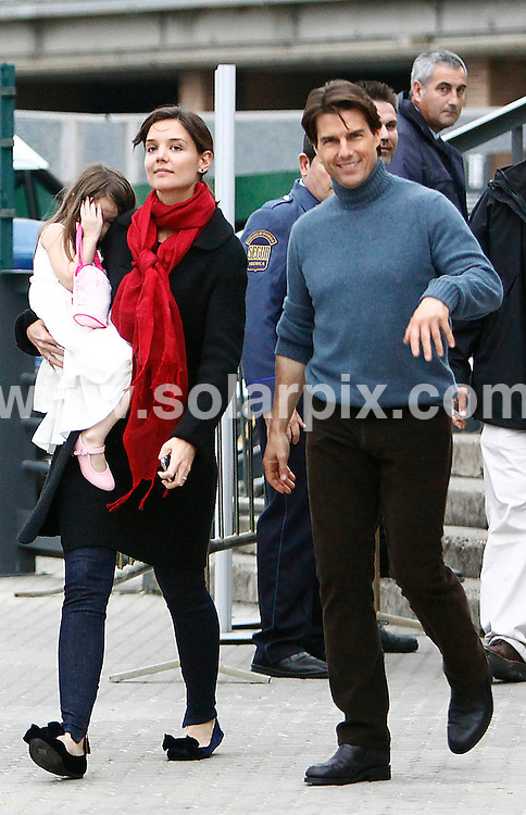 "**ALL-ROUND PICTURES FROM SOLARPIX.COM**.**WORLD SYNDICATION RIGHTS EXCEPT BELGIUM, GERMANY, HOLLAND, SCANDINAVIA, SOUTH AMERICA, SPAIN, & USA**.American hollywood actor Tom Cruise filming today his latest film ""Night & day accumpanied by his wife katie Holes and daughter Suri in Seville Spain...This pic: Tom Cruise , Katie Holmes & Suri..JOB REF: 10354     SKX      DATE:  07.12.09.**MUST CREDIT SOLARPIX.COM OR DOUBLE FEE WILL BE CHARGED**.**MUST NOTIFY SOLARPIX OF ONLINE USAGE**.**CALL US ON: +34 952 811 768 or LOW RATE FROM UK 0844 617 7637**"