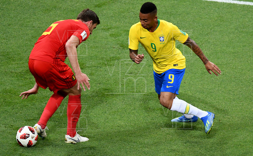 KAZAN - RUSIA, 06-07-2018: GABRIEL JESUS (Der) jugador de Brasil disputa el balón con Jan VERTONGHEN (Izq) jugador de Bélgica durante partido de cuartos de final por la Copa Mundial de la FIFA Rusia 2018 jugado en el estadio Kazan Arena en Kazán, Rusia. / GABRIEL JESUS (R) player of Brazil fights the ball with Jan VERTONGHEN (L) player of Belgium during match of quarter final for the FIFA World Cup Russia 2018 played at Kazan Arena stadium in Kazan, Russia. Photo: VizzorImage / Julian Medina / Cont