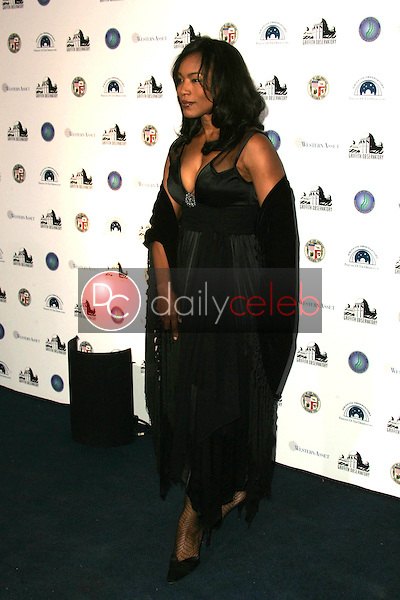 Angela Bassett<br />at the Griffith Observatory Re-Opening Galactic Gala. Griffith Observatory, Los Angeles, CA. 10-29-06<br />Dave Edwards/DailyCeleb.com 818-249-4998