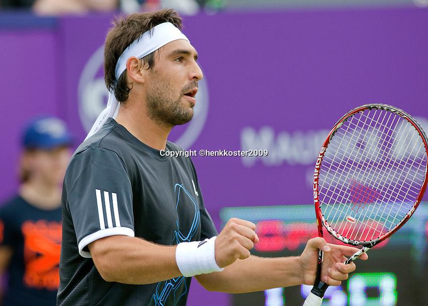 16-6-09, Rosmalen, Tennis, Ordina Open 2009, Marcos Baghdatis bald zijn vuist, hij gaat naar de tweede ronde