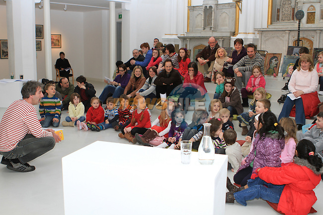 Reading of Roddy Doyle's The Meanwhile Adventures at the Highlanes Gallery...(Photo credit should read Jenny Matthews www.newsfile.ie)....This Picture has been sent you under the conditions enclosed by:.Newsfile Ltd..The Studio,.Millmount Abbey,.Drogheda,.Co Meath..Ireland..Tel: +353(0)41-9871240.Fax: +353(0)41-9871260.GSM: +353(0)86-2500958.email: pictures@newsfile.ie.www.newsfile.ie.