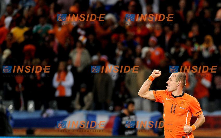Arjen Robben (Olanda) esulta per il suo gol del 3-1<br /> Uruguay Olanda 2-3 - Uruguay vs Netherlands 2-3<br /> Semifinale - Semifinal<br /> Campionati del Mondo di Calcio Sudafrica 2010 - World Cup South Africa 2010<br /> Green Point Stadium, Cape Town  06/07/2010<br /> &copy; Giorgio Perottino / Insidefoto