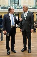 Berlin, der Ministerpräsident von Sachsen-Anhalt, Reiner Haseloff (CDU, l.), und der Bundesratsvorsitzende und Ministerpräsident von Baden-Württemberg, Winfried Kretschmann (Bündnis 90/Die Grünen) am Freitag (03.05.13) bei der 909. Sitzung des Bundesrats in Berlin.