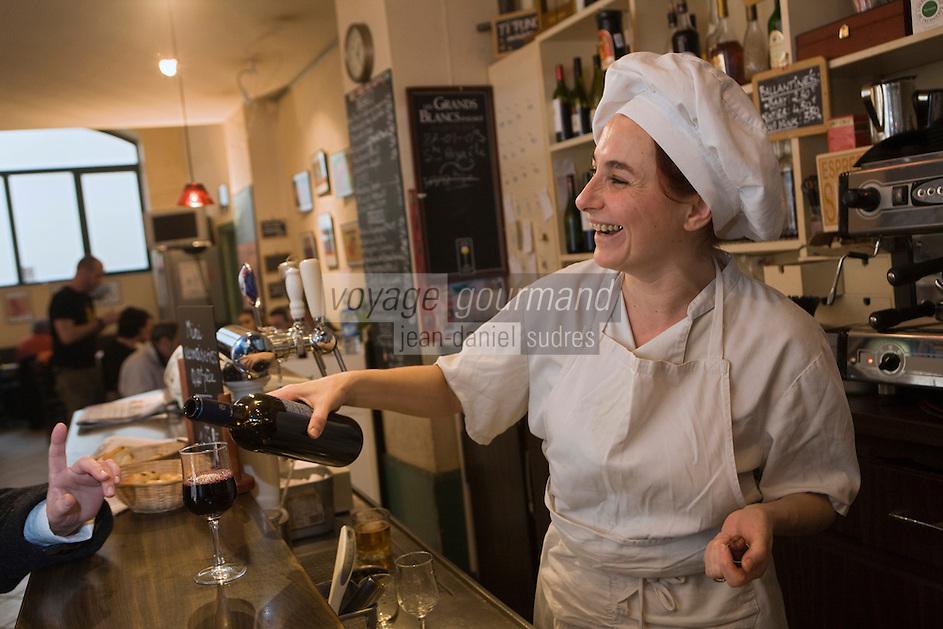 Europe/France/Auvergne/63/Puy-de-Dôme/Clermont-Ferrand:Véronique Besson - Le Bar de la Mairie, [Non destiné à un usage publicitaire - Not intended for an advertising use]