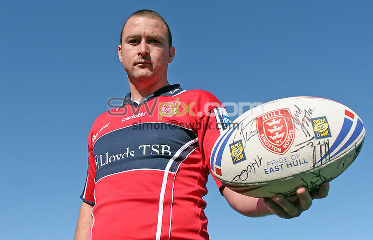 PICTURE BY VAUGHN RIDLEY/SWPIX.COM -  Rugby League - Super League - Paul Cooke - Craven Park, Hull, England - 30/04/07...Copyright - Simon Wilkinson - 07811 267706...Paul Cooke is officially unveiled as a Hull Kingston Rover.