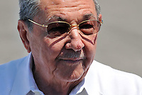 HAB20. LA HABANA (CUBA), 30/03/2011.- El presidente cubano, Raúl Castro, habla ante la prensa luego de despedir al expresidente de Estados Unidos Jimmy Carter al término de su visita de tres días a Cuba hoy, miércoles 30 de marzo de 2011, en el aeropuerto José Martí de La Habana. EFE/Alejandro Ernesto