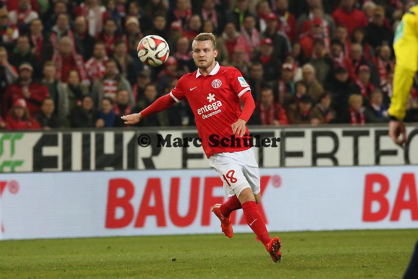 Daniel Brosinski (Mainz)  - 1. FSV Mainz 05 vs. Borussia Moenchengladbach, Coface Arena