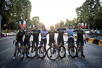 Team Mitchelton-Scott after finishing the 2019 Tour on the Champs-Élysées<br /> <br /> Stage 21: Rambouillet to Paris (128km)<br /> 106th Tour de France 2019 (2.UWT)<br /> <br /> ©kramon