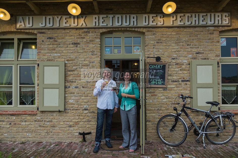 France, Nord (59),Côte d'Opale, Zuydcoote:  Estaminet: Joyeux Retour des Pêcheurs //  France, Nord, Opal Coast, Zuydcoote: Tavern - Estaminet: Joyeux Retour des Pêcheurs