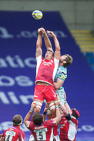 Daniel Browne of London Welsh (left) competes in the lineout against Geoff Parling of Leicester Tigers during the Aviva Premiership match between London Welsh and Leicester Tigers at the Kassam Stadium on Sunday 2nd September 2012 (Photo by Rob Munro)