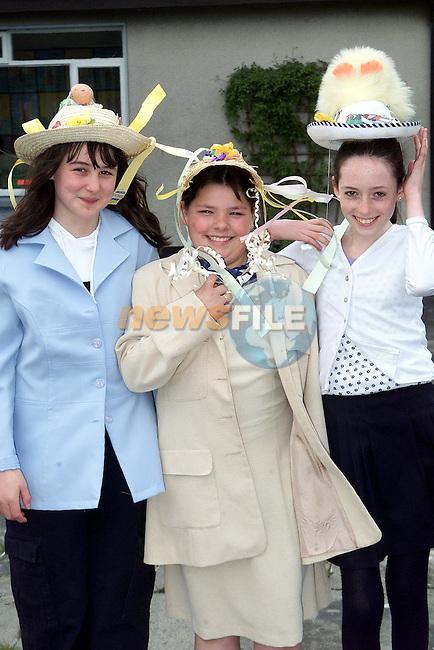 Sonya McGuirk, Yellowbatter, Emma Magee, Brookville and Denise Maguire, Mellifont Park with thier Easter Bonnets in the Presentationn School, Ballymakenny..Picture Paul Mohan Newsfile