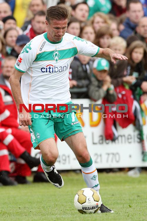 FBL 08/09 Test - BSV Kickers Emden vs. SV Werder Bremen in Loga bei Leer am 20.07.2008 1:2 (1:0)<br /> <br /> Freundschaftsspiel - Friendlymatch<br /> <br /> Jurica Vranjes (#7 CRO Werder Bremen).<br /> <br /> Foto &copy; nph (  nordphoto  ) *** Local Caption ***