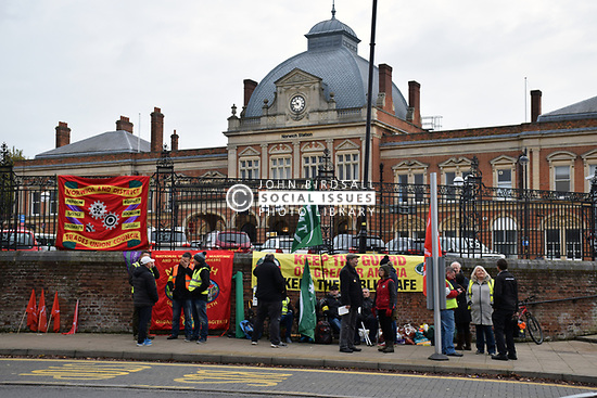 RMT industrial action, Norwich station 9 November 2017. Greater Anglia RMT guards on strike over driver only trains, along with Southern & South Western Railways. UK