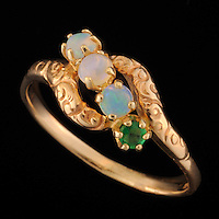 Vintage gold ring with opal and emerald gemstones