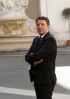 Il presidente del Consiglio Matteo Renzi attende l'arrivo del cancelliere tedesco Angela Merkel a Palazzo Chigi, Roma, 5 maggio 2016.<br /> Italian Premier Matteo Renzi waits for the arrival of German Chancellor at Chigi Palace, Rome, 5 May 2016.<br /> UPDATE IMAGES PRESS/Isabella Bonotto