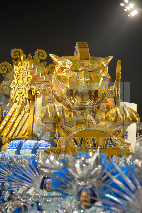 SÃO PAULO, SP, 09.03.2019 - CARNAVAL-SP - Integrante da escola de samba Unidos de Vila Maria durante Desfile das Campeãs do Carnaval de São Paulo, no Sambódromo do Anhembi em São Paulo, na madrugada deste sabado, 09. (Foto: Levi Bianco/Brazil Photo Press)