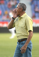 BARRANQUILLA  -COLOMBIA, 4-MARZO-2015. Alexis Mendoza  director tecnico  del Atletico Junior  durante partido contra el Barranquila FC partido por la fecha 2 de la Copa   çguila I 2015 jugado en el estadio Metropolitano  de la ciudad de Barranquilla./ Alexis Mendoza  coach of Atletico Junior     against  of Barraquilla FC  during the match for the second  date of the Liga  Aguila  I 2015 played at Metropolitano  stadium in Barranquilla city<br />  . Photo / VizzorImage / Alfonso Cervantes / Stringer