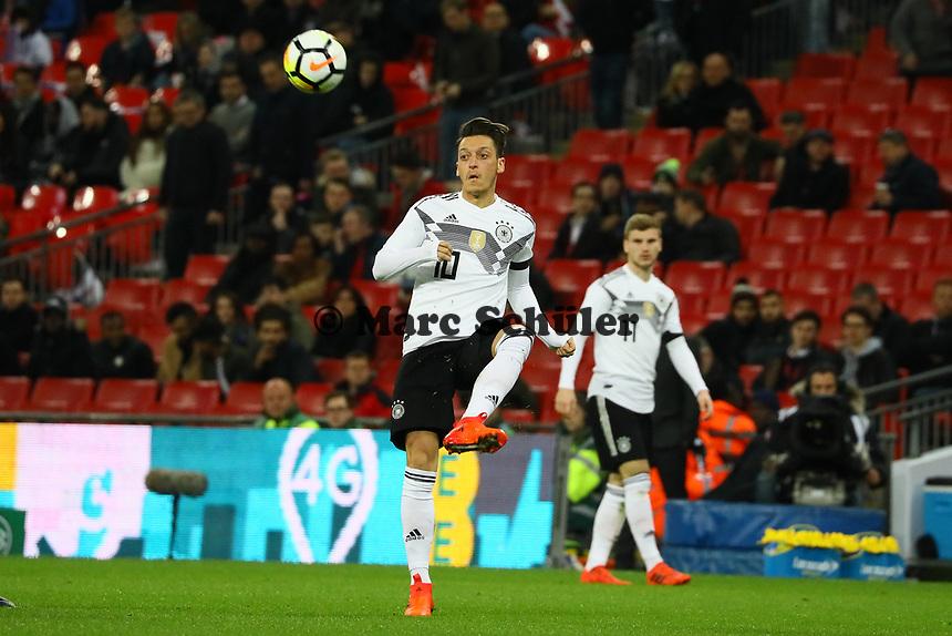 Mesut Oezil (Deutschland Germany) - 10.11.2017: England vs. Deutschland, Freundschaftsspiel, Wembley Stadium