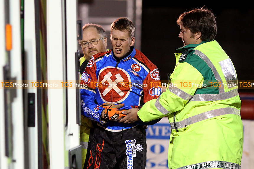 Heat 12: Kauko Nieminen of Lakeside leaves the track in some pain after crashing out - Lakeside Hammers vs Swindon Robins - Sky Sports Elite League Play-Off Semi-Final at Arena Essex, Purfleet - 29/09/08 - MANDATORY CREDIT: Gavin Ellis/TGSPHOTO - Self billing applies where appropriate - 0845 094 6026 - contact@tgsphoto.co.uk - NO UNPAID USE.