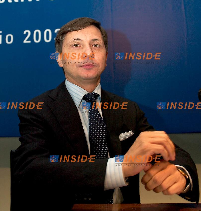 Roma 1 Luglio 2003<br />Ania / Irsa &quot;le prospettive della previdenza complementare tra valori collettivi e scelte individuali&quot;<br />Il Direttore generale dell'IRSA (Istituto per la ricerca e sviluppo delle assicurazioni) Enea Dallaglio