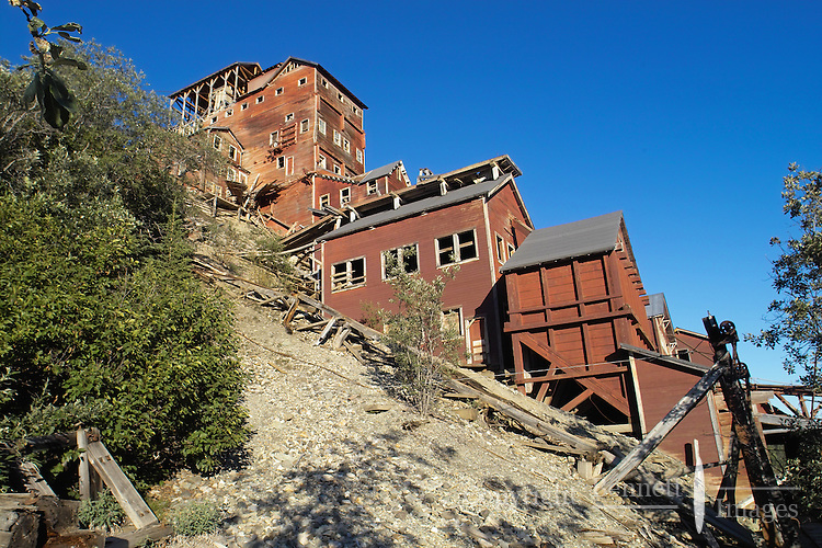 Side view of the Kennicott mill.