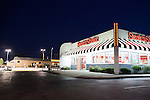 Popular Steak 'n Shake restaurant, at night, near Indianapolis, Indiana, IN, USA