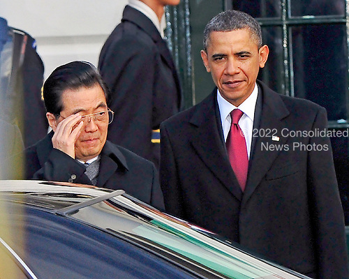 United States President Barack Obama welcomes President Hu Jintao of China to the White House for a State Visit on Wednesday, January 19, 2011. .Credit: Ron Sachs / CNP.(RESTRICTION: NO New York or New Jersey Newspapers or newspapers within a 75 mile radius of New York City)