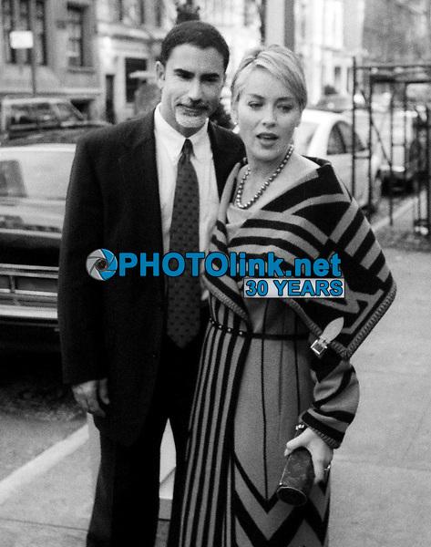 Sharon Stone and husband Phil Bronstein 1999<br /> Photo By John Barrett/PHOTOlink