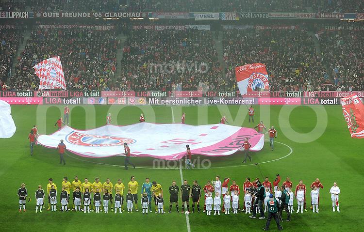 FUSSBALL   1. BUNDESLIGA  SAISON 2011/2012   13. Spieltag FC Bayern Muenchen - Borussia Dortmund        19.11.2011 BANNER TELEKOM LIGA TOTAL in der Allianz Arena davo beide Mannschaften