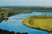 Europe/France/Midi-Pyrénées/82/Tarn-et-Garonne/Boudou: Le point de vue sur le confluent du Tarn et de la Garonne eyt la plaine agricole de la vallée de la Garonne