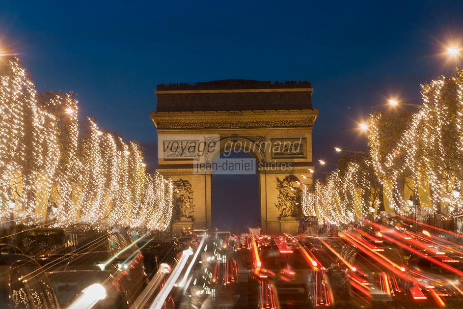 Europe/France/Ile-de-France/75008/Paris: les Champs Eysées et l'Arc de Triomphe
