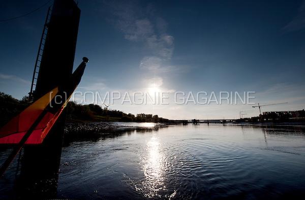 Sunset over the Rupel river between Boom and Klein-Willebroek (Belgium, 05/05/2013)