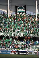 CALI- COLOMBIA- 16-02-2103: Hinchas de Deportivo Cali, animan a su equipo , durante  partido por la Liga de Postobon I en el estadio Pascual Guerrero en la ciudad de Cali, marzo16 de 2013. (Foto: VizzorImage / Luis Ramírez / Staff). Fans of Deportivo Cali, cheers for their team during a match for the Postobon I League at the Pascual Guerrero stadium in Cali city, on March 16, 2013, (Photo: VizzorImage / Luis Ramirez / Staff.).