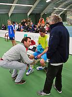19-01-13, Tennis, Rotterdam, Wildcard for qualification ABNAMROWTT, Jesse Timmermans krijgt blessurebehandeling