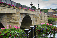 River Severn flowing through a bridge at Bridgnorth, Shropshire.