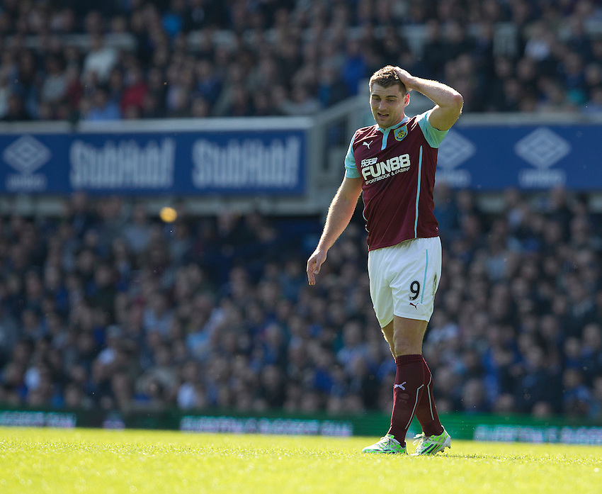 Burnley's Sam Vokes appears dejected after an attack breaks down<br /> <br /> Photographer Stephen White/CameraSport<br /> <br /> Football - Barclays Premiership - Everton v Burnley - Saturday 18th April 2015 - Goodison Park - Everton<br /> <br /> &copy; CameraSport - 43 Linden Ave. Countesthorpe. Leicester. England. LE8 5PG - Tel: +44 (0) 116 277 4147 - admin@camerasport.com - www.camerasport.com