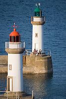 Europe/France/Bretagne/56/Morbihan/Belle-Ile/ Le Palais: les phares qui balisent l'entrée du port