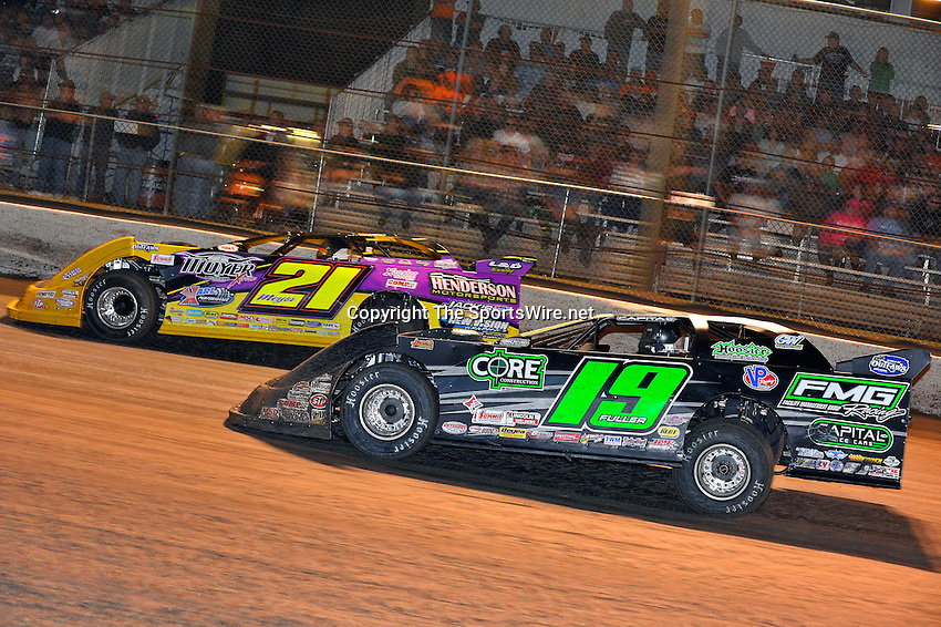 Feb 20, 2014; 9:38:49 PM;  Barberville, FL, USA;  World of Outlaws Late Model Series for 43rd Annual DIRTcar Nationals presented by Summit Racing Equipment at Volusia Speedway Park.  Mandatory Credit: (thesportswire.net)