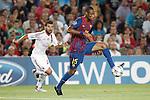Barcelona's Seydou Keita  and AC Milan's Antonio Nocerino during Champions League match on september 13th 2011...Photo: Cesar Cebolla / ALFAQUI