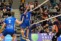 GRONINGEN - Volleybal, Abiant Lycurgus - Orion, Alfa College , Eredivisie , seizoen 2017-2018, 16-12-2017 blok met Lycurgus speler Frits van Gestel en Lycurgus speler Niels de Vries