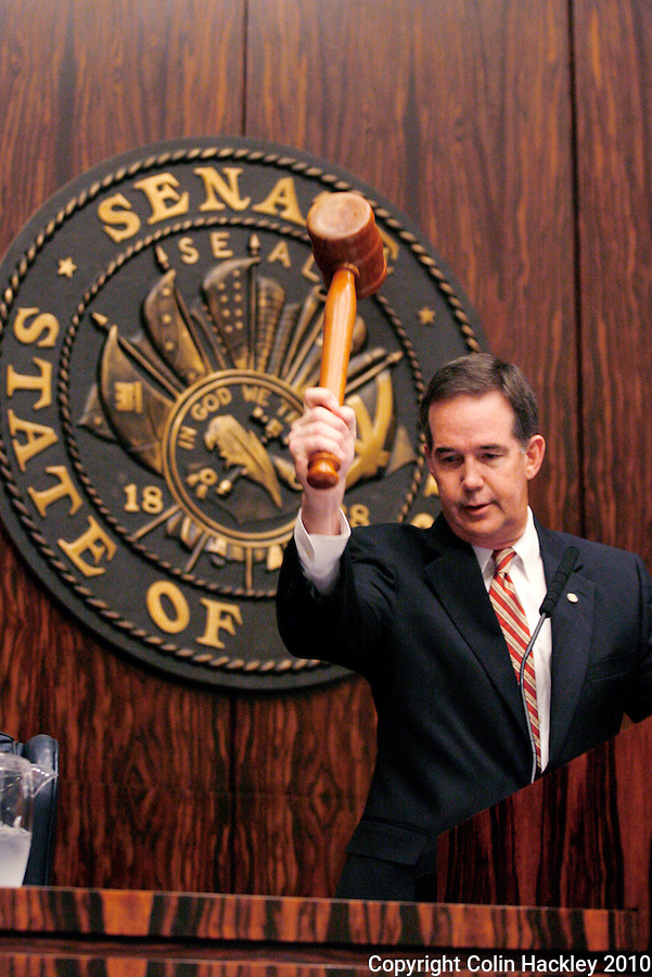 TALLAHASSEE, FLA. 3/2/10-OPENING DAY CH02-Senate President Jeff Atwater, R-Palm Beach Gardens, gavels the Senate to session during the opening day of the legislative session, Tuesday at the Capitol in Tallahassee...COLIN HACKLEY PHOTO