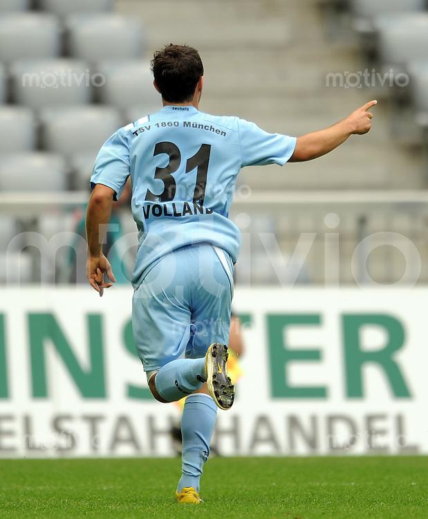 2. Fussball Bundesliga:  Saison   2011/2012,    6.  Spieltag  1860 Muenchen -  1. FC Union Berlin 28.08.2011 JUBEL nach dem Tor zum 1:0 Kevin Volland (1860 Muenchen)