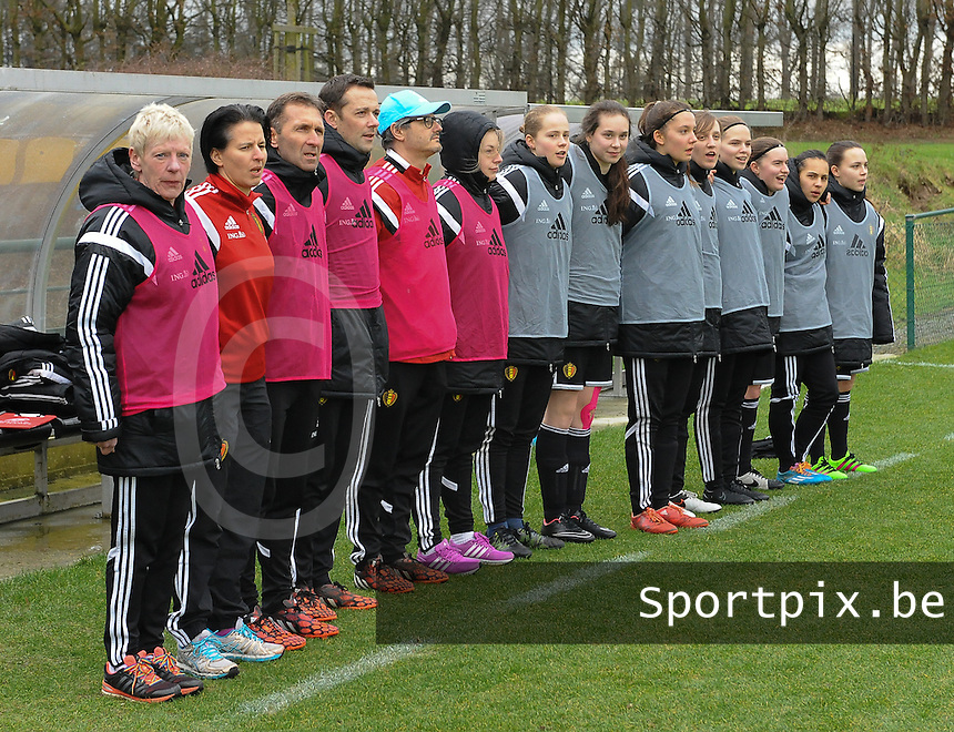 20160211 - TUBIZE , BELGIUM : Technical staff and substitutes of Belgium pictured during the friendly female soccer match between Women under 17 teams of  Belgium and Switzerland , in Tubize , Belgium . Thursday 11th February 2016 . PHOTO SPORTPIX.BE DIRK VUYLSTEKE