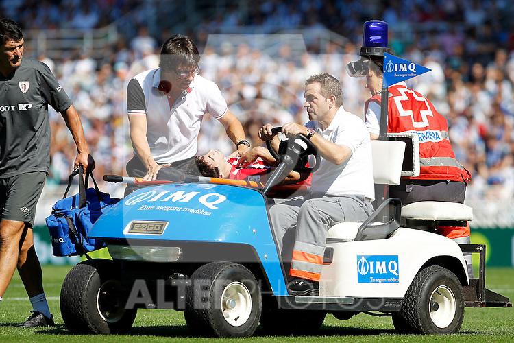 Athletic de Bilbao's Javi Martinez injured during La Liga match.October 2,2011. (ALTERPHOTOS/Acero)